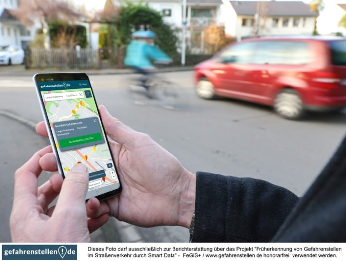 image 1 273 696x525 - Über 60% der Deutschen treffen täglich auf Gefahrenstellen - jetzt andere Verkehrsteilnehmer warnen und Unfall-Vorhersagen verbessern