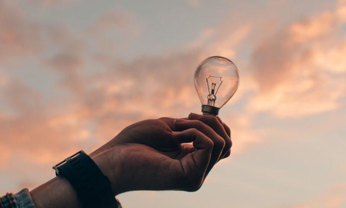 CLARK20Earth20Hour 696x418 - Studie zur Earth Hour 2021: Wieviel ist den Deutschen ihre Umwelt wert?
