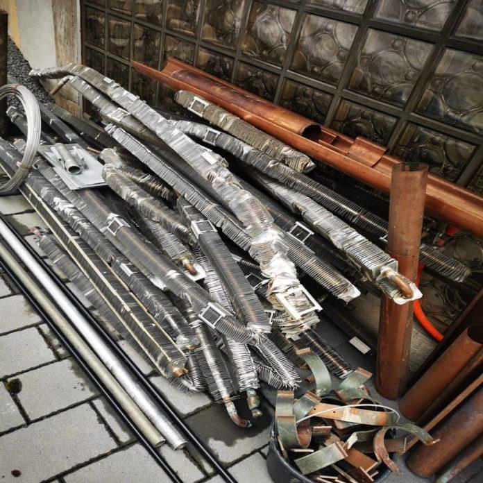image 1 118 696x696 - Schrottabholung Bochum – Wir sammeln große und kleine Schrott mit Demontage