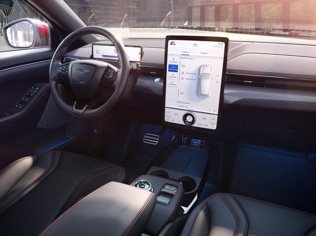 image 1 61 - Weniger ist Mehr: Wie ein neuer Design-Ansatz den Weg zum Mustang Mach-E ebnete und die Fahrer-Perspektive änderte