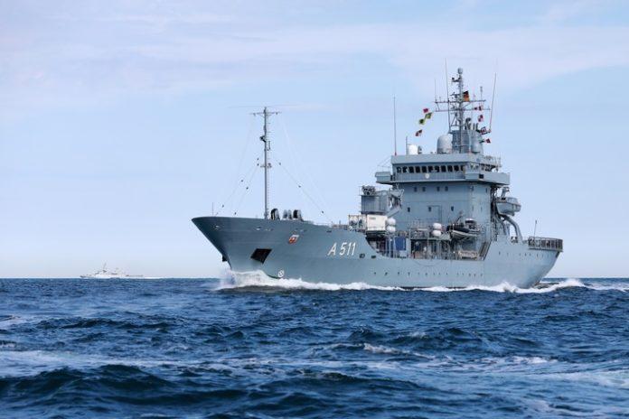 """200625 Tender20Elbe Back 03 696x464 - Doppelter Einsatz für die NATO - """"Elbe"""" und """"Homburg"""" verlassen Kiel"""