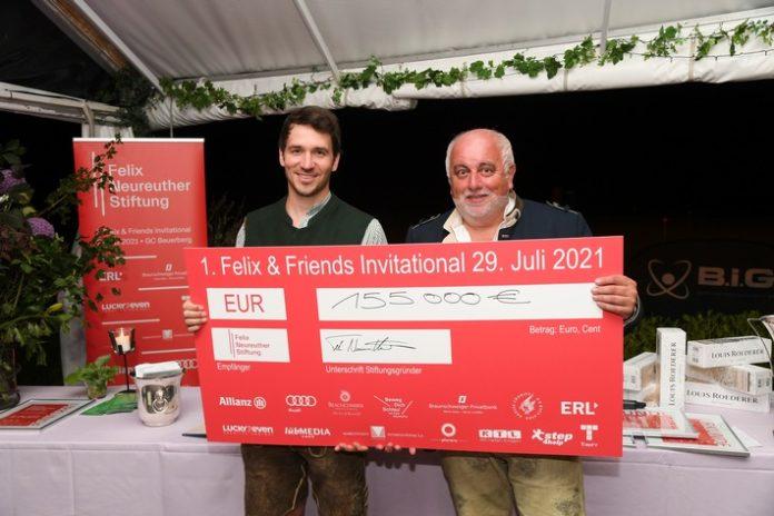 Felix20and20Friends20InckC3BCbergabe Cred 696x464 - 155.000 Euro für Kinder in Bewegung - Felix Neureuther freut sich über Premiere seines 1. Charity-Golfturniers