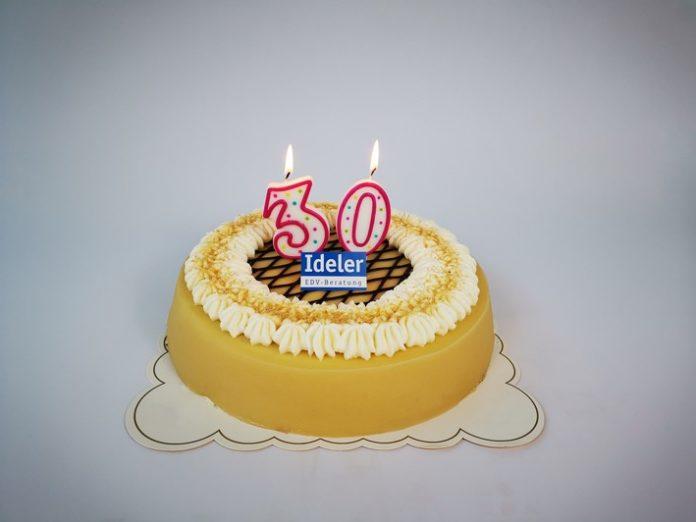 Pressefoto2030 jC3A4hriger20EDV Beratung 696x522 - Ideler EDV-Beratung feiert 30-jähriges Jubiläum!