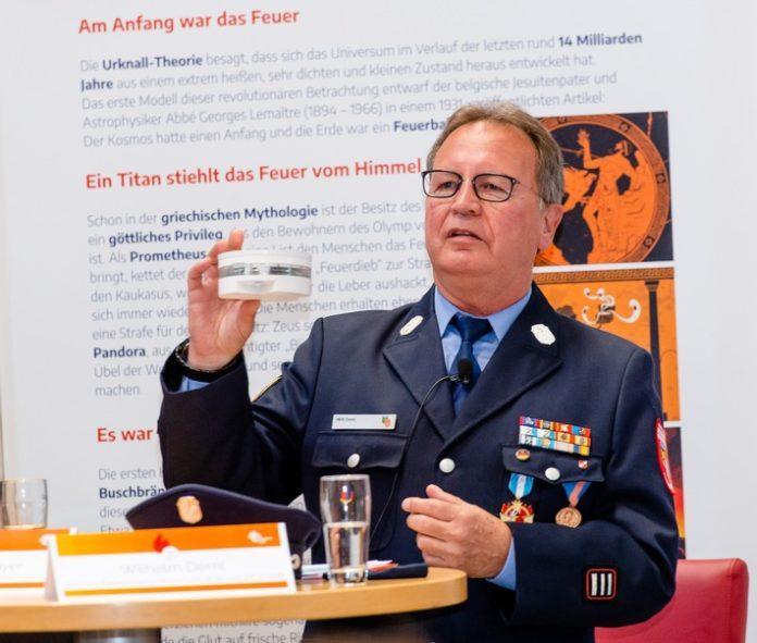 Rauchmeldertag 2021 WD 696x591 - Rauchmeldertag am Freitag, den 13. August in der neuen Feuerwehrerlebniswelt in Augsburg