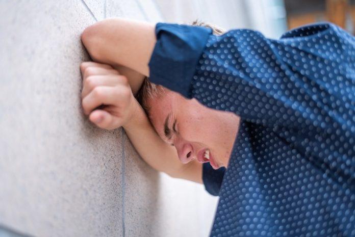 iStock 998566196 696x465 - forsa-Umfrage: Corona-Krise verstärkt bereits vorhandene Belastungen bei Kindern und Jugendlichen