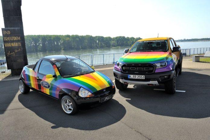 "image 1 110 696x463 - Ford ""Very Gay Raptor"" im Kölner CSD"