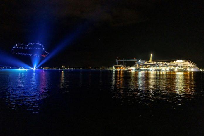 BM AIDAluna Kieler20Woche Drohnenshow 696x464 - Kieler Woche: Licht- und Feuerwerkshow mit AIDAluna