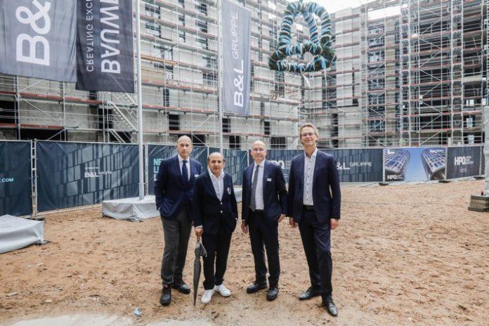 Bernhard20Visker Hadi20Martin20Leissl 696x464 - Premium-Wohnprojekt HPQ LIVING feiert Richtfest / Urban Evolution im HAFENPARK QUARTIER in Frankfurt-Ostend