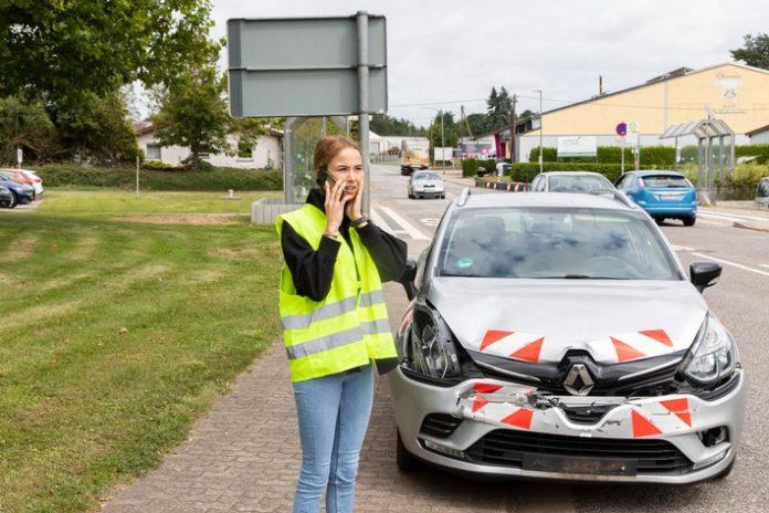 DEVK PM 2021 08 31 Utem20Wagen b202 696x464 - Deutsche schätzen persönlichen Service in der Autoversicherung