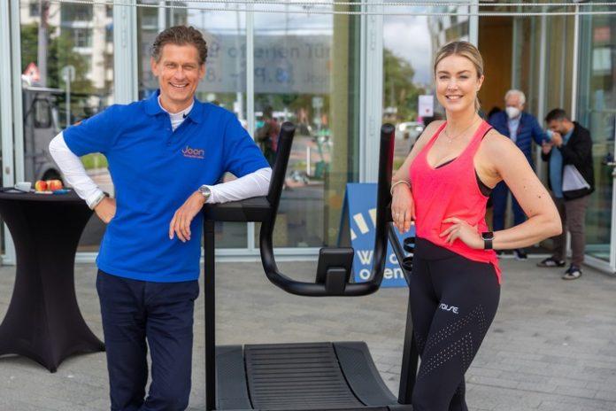 JOON Opening Christich NinaEnsmann1 696x464 - Boutique Fitness Studio Joon: Offizielle Eröffnung