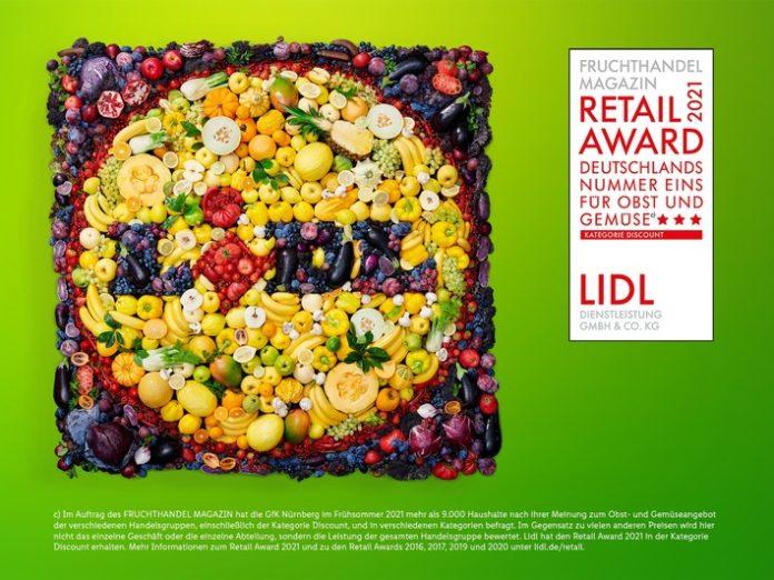 """Lidl Retail Award 696x522 - Lidl ist Deutschlands Nummer 1 bei Obst und Gemüse in der Kategorie """"Discount"""" / Zum fünften Mal erhält Lidl den """"Fruchthandel Magazin Retail Award"""""""