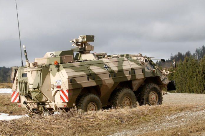 MG 7036 696x464 - Bundeswehr modernisiert den ABC-Spürpanzer Fuchs
