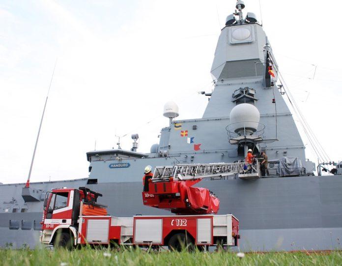 Quelle Bundeswehr Fooschubung 72dpi 696x541 - Deutsche Marine investiert in Digitalfunklösung von Motorola Solutions zur Sicherung von Soldaten und Marineschiffen