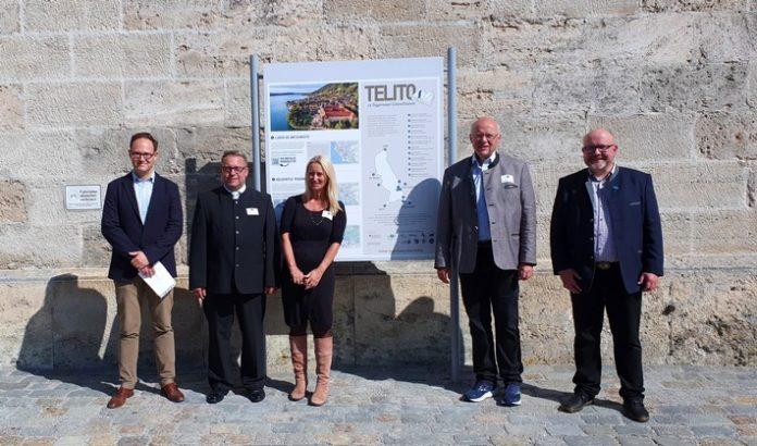 TELITO Eroeffnung C2A9Der20Tegernsee 696x410 - Zwölf Tegernseer LiteraTouren zwischen See und Bergkulisse