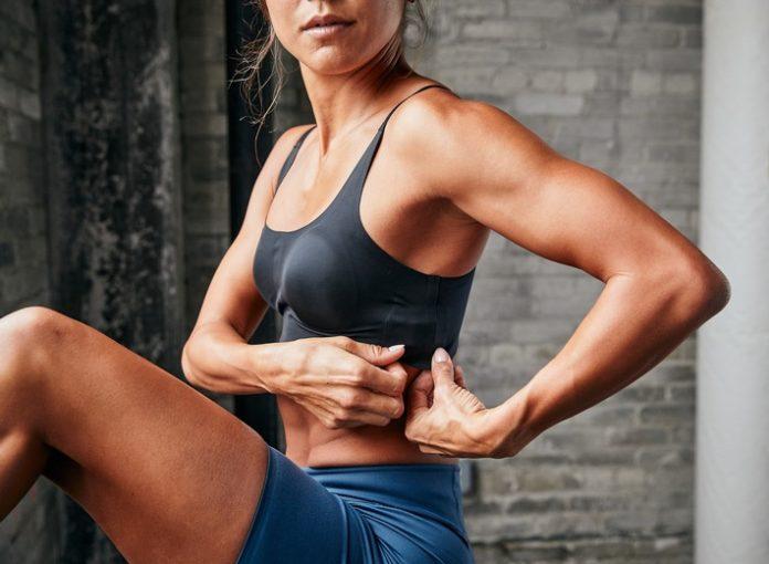 WHOOP20Body Intimates Adj.Bralette 1 696x510 - Mit dem Fitness-Wearable WHOOP 4.0 und der WHOOP Body-Kollektion können Daten jetzt überall am Körper erfasst werden