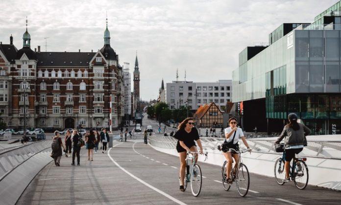 World20Car20Free20Day 696x418 - World Car Free Day 2021: Wie Deutschland im Alltag das Klima schützt