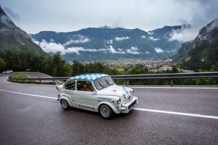 fiat20600d 696x464 - 111 Jahre Automobilgeschichte unterwegs bei der ADAC Europa Classic 2021 in Südtirol