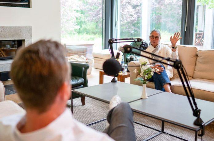 mar 20 mnextPodcast Folge1 Fotos 22 696x459 - Raum für Resonanz: Nach 13 Podcastfolgen in 12 Monaten resoniert der m.next Podcast mit Bettina Würth