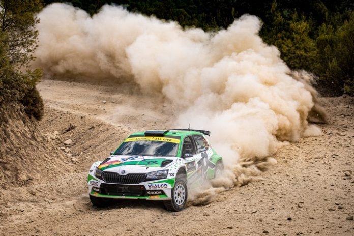 sp 11550 696x464 - Akropolis Rallye Griechenland: SKODA FABIA Rally2 evo Teams führen die Kategorien WRC2 und WRC3 an